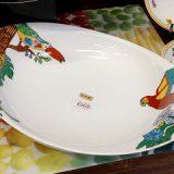 派手なカレー皿