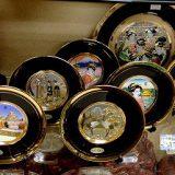 外人さんに人気の彫金の飾り皿各種