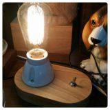 閃きそうな木製台卓上型ランプ